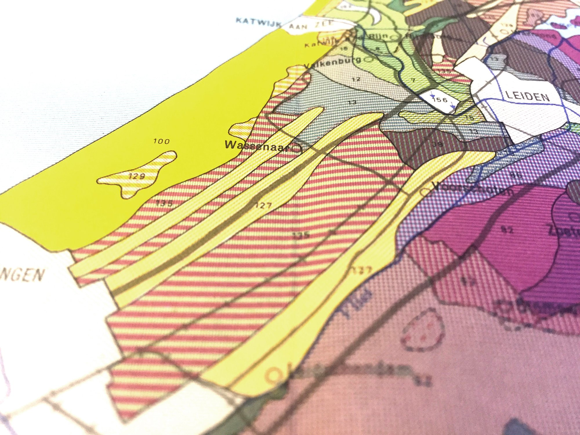 Geomorphological map showing the strips of old dunes. Buitenvoorde is part of this valuable historical landscape